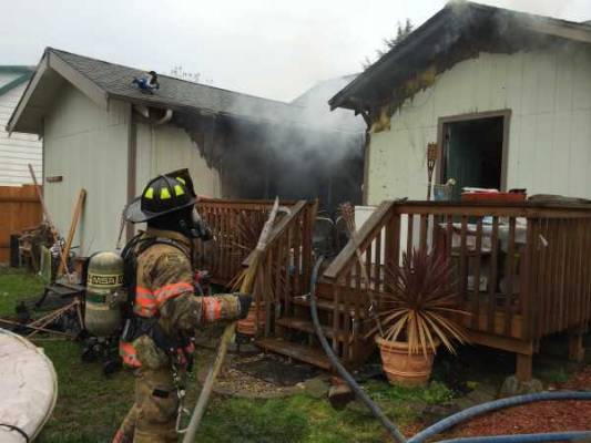 Structure fire in Cottage Grove