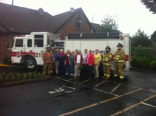 Local groups raises money for Knox Box Program